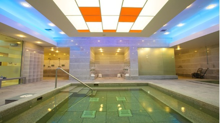Pineapple or Aroma Spa Scrub Package with FREE Spa Admission at Q Sauna (for Women only)