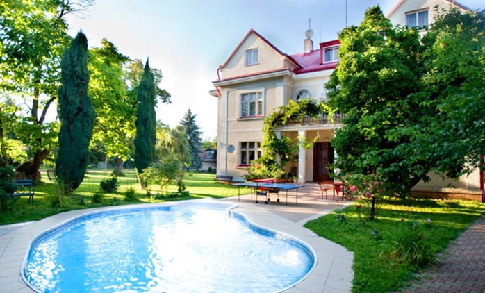 Prag: 2-4 Tage für Zwei inkl. Freibadeintritt, Parkplatz und opt. Frühstück oder HP im Hotel Marie-Luisa