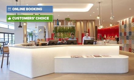 Brisbane, CBD: 1-3 Nights for 2 with Breakfast, Drinks & Late Check-Out at a 4* Mystery Hotel