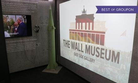 """1 Ticket für """"The Wall Museum - East Side Gallery"""" inkl. Mauerstein oder Currywurst (bis zu 46% sparen)"""