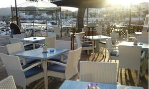Es Mollet: Menú para 2 o 4 con surtido de entrantes, mariscada, postre y bebida desde 49,90 € en Es Mollet