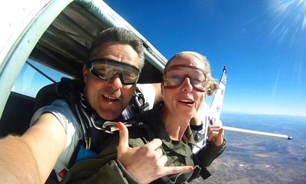 Salto tándem en paracaídas para 1 o 2 personas con Skydive