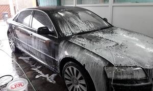 Quick Shine: Mycie i czyszczenie środka auta (49,99 zł) lub pranie tapicerki (179 zł) i więcej w Quick Shine w Gdańsku (do -43%)