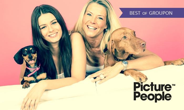 PicturePeople - Mehrere Standorte: 90 Min. Haustier-Fotoshooting-Erlebnis inklusive 3-4 Bildern als Ausdruck und Datei bei PicturePeople