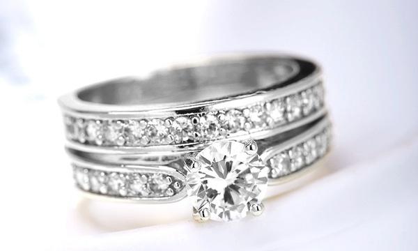 Bague Solitaire Alliance Romatco en métal argenté et ornée de cristaux  Swarovski®