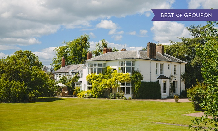 Worcester: 1 Night for Two with Breakfast, Sharing Platter, Wine and Late Check-Out at the 5* Laughern Hill Estate