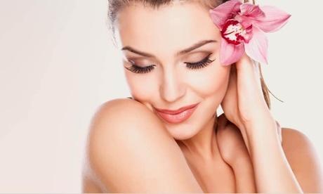 Image of Pacchetti con prodotti per la cura del viso e buono sconto da La Bottega Per L'Estetica (sconto fino a 67%)