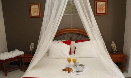 Valentín: 1 o 3 noches en habitación a elegir con desayuno para 2 o 3 personas en Hotel Argos Murcia