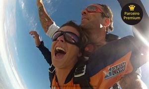 Queda Livre Paraquedismo: Salto duplo de paraquedas para 1, 2 ou 4 pessoas  com a Queda Livre Paraquedismo – Boituva