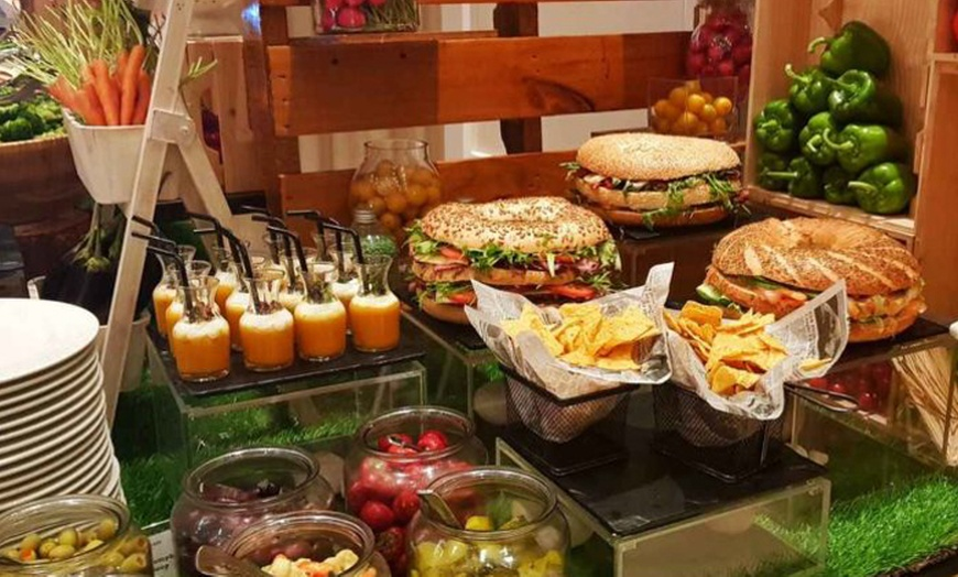 Spice Island At 5 Crowne Plaza Deira From Aed 49 Dubai Groupon
