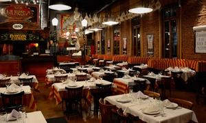 La Robla: Cena española + copa de vino para dos o cuatro en La Robla