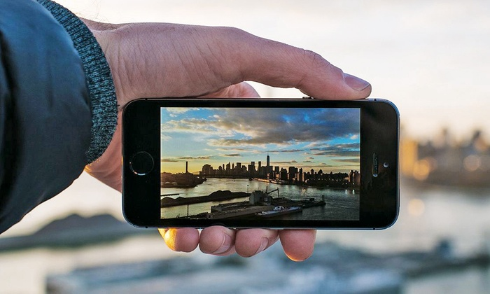 Mobile-Device Photography Workshop - Greenpoint: Master the Art of the Instagram Shot with a Photographer