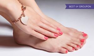 S1+ Studio Kosmetologii Profesjonalnej: Stylizacja paznokci z malowaniem: manicure (34,99 zł) lub pedicure (49,99 zł) i więcej opcji w studiu S1+