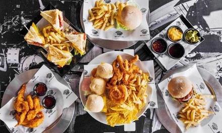 Menú para 2 con entrante, principal, postre y bebida en NYC Taxi Rockbar (hasta 46% de descuento)