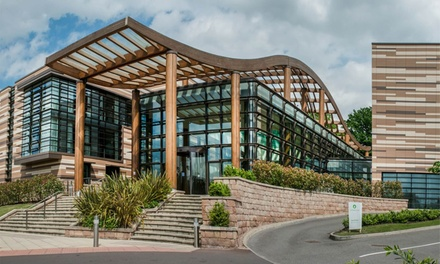 Nottingham: Double Room for 2 with Breakfast, Prosecco, Late Check-Out and Option for Dinner at 4* De Vere Orchard Hotel