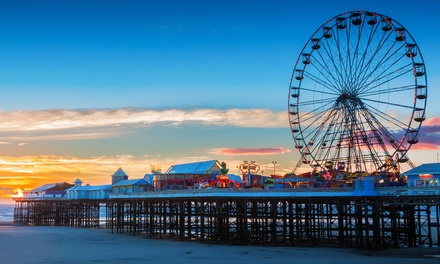 Blackpool: 1, 2 or 3Night Stay for Two with English Breakfast and Wine at The Kings Hotel