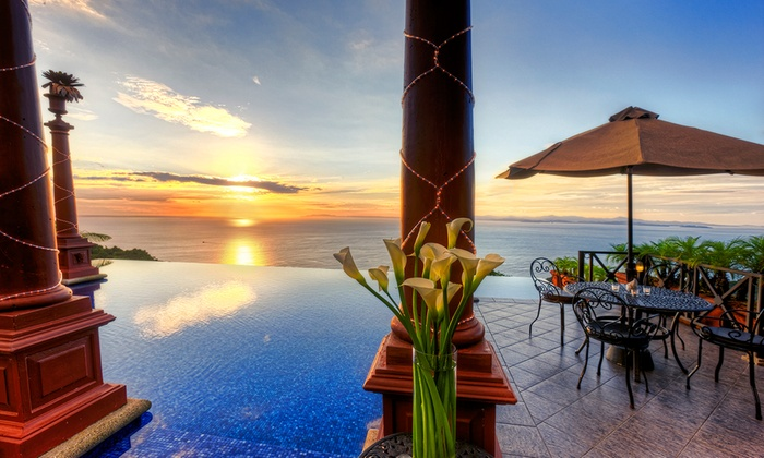 4-Star Costa Rica Hotel with Pacific Ocean Views
