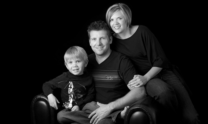 """Viewpoint Photography - Edmonton: C$49 for a Family Photo Session and an 8""""x10"""" Framed Portrait at Viewpoint Photography (C$430 Value)"""