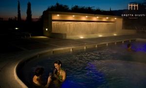Grotta Giusti Resort Golf & Spa - IHC: Ingresso alla piscina termale e alla Grotta Millenaria con spa lunch per 2 persone da Grotta Giusti (sconto fino a 55%)