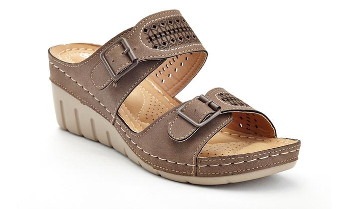 6c36a452ec9 Lady Godiva Women s Comfort Support Wedge Sandals (Size 7.5)