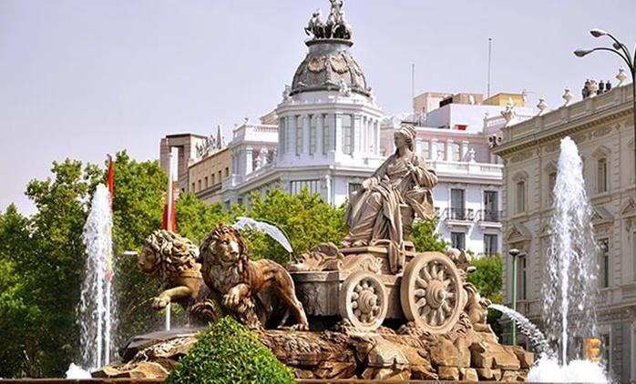 Madrid: 1 o 2 noches con desayuno para dos personas con opción a habitación premium y a cava en hostal Ciempozuelos