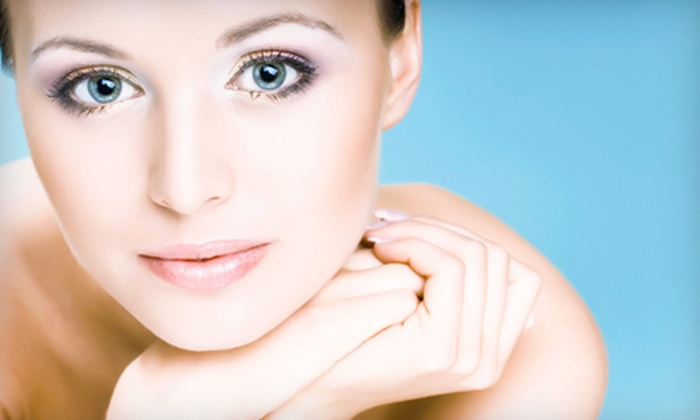 Trés Belle Vous - Southeast Eugene: One or Three Signature Facials, One Hot Stone Facial, or One Back Treatment at Trés Belle Vous (Up to 65% Off)