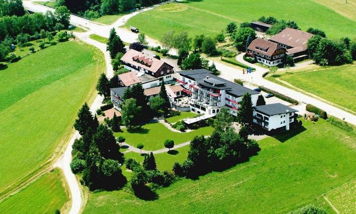 Park hill resort und wellnesshotel groupon for Hotel avec piscine foret noire