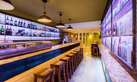 Menú para 2 o 4 con empanada, entrante, principal, postre y vino desde 24,99 € en Restaurante Destapate Barcelona