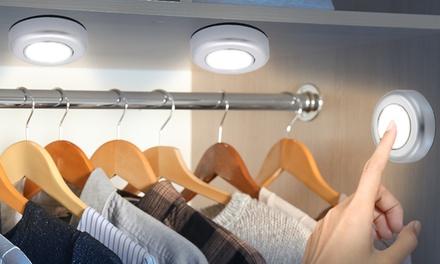 Hasta 4 packs de 3 luces táctiles LED activadas por pulsador