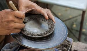 Hand-sculpt A Holiday Serving Platter With A Ceramic Artist