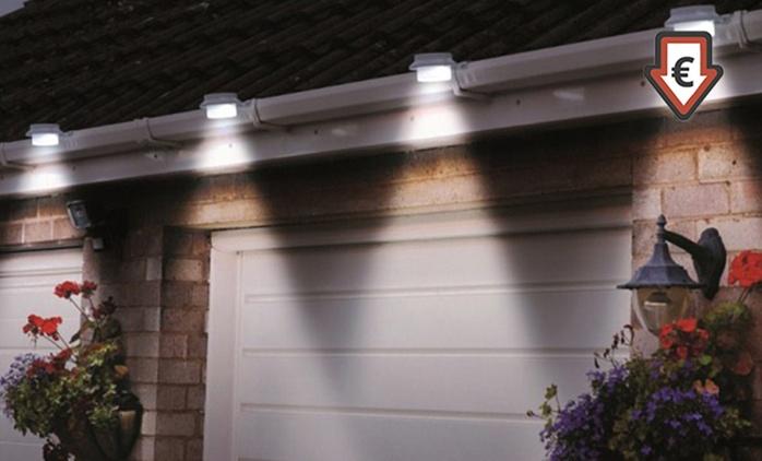 2 ou 4 Lampes solaires 3 LEDs pour clôtures et gouttières, coloris au choix, dès 12,90 € (jusqu'à 48% de réduction)