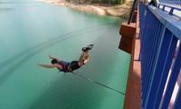 1, 2 o 4 saltos de puenting para una, dos o cuatro personas con reportaje de fotos y vídeo desde 16,95 € en Gontaventura
