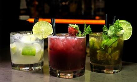 2 o 4 copas o cócteles y cachimba a compartir desde 9,99 € en Click Music New Bar