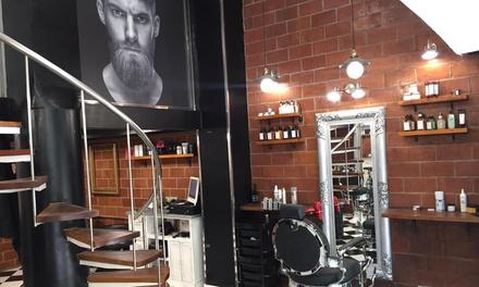2 sesiones de peluquería para hombre con 2 cortes, 2 peinados y 2 masajes desde 12,99 € en M Kulture Barber Unisex