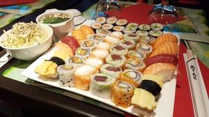 Sushi Délice: Plateau délice mix de 46 pièces et 2 entrées à 34,90 € au restaurant Sushi Délice