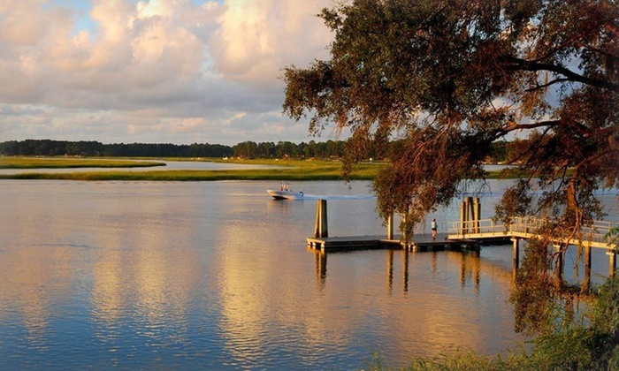 Park Lane Hotel & Suites from the Hilton Head Island Welcome Center - Greenville: Stay at the Park Lane Hotel & Suites from the Hilton Head Island Welcome Center in South Carolina, with Dates into March