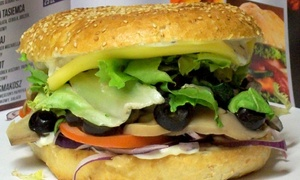 Pani Burger: Burger, frytki i sos: zestaw od 14,99 zł i więcej opcji u Pani Burger w Gdańsku (do -34%)