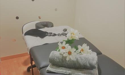 Masajes relajante o de piedras calientes y/o exfoliación corporal desde 14,95 € en Centro estético La Fábula de Grace