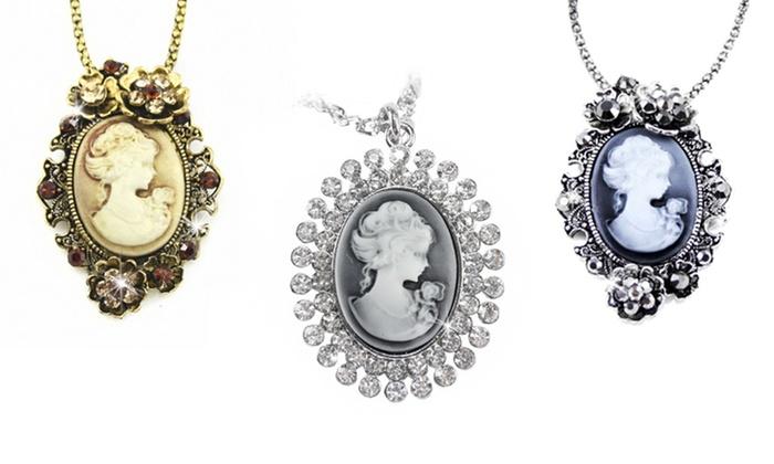 Colliers Vintage de la marque Beloved en mtal dor ou argent à 1490€ (70% de rduction)