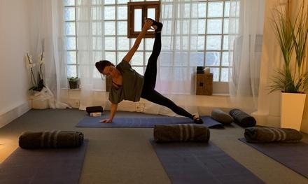 8 o 24 clases de yoga a realizar en 1 o 3 meses, 2 clases por semana, en Hatsune (hasta 68% de descuento)