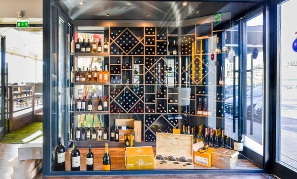 1 ou 2 planches et 2 ou 4 verres de vin au choix pour 2 ou 4 personnes au restaurant L'Arlequin