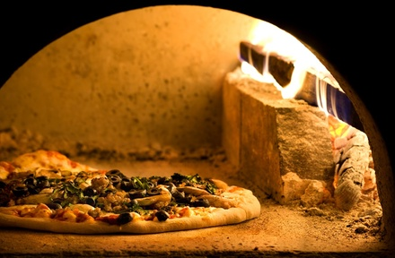 Menu con pizza, dolce e birra a 23,90€euro