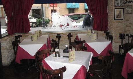 Menú para 2 o 4 personas con entrantes, principal, postre y bebida o botella de vino desde 29,99 € en Taberna el Torito