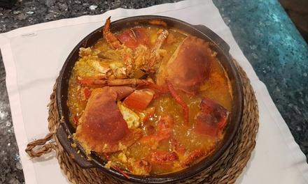 Caldereta de bogavante y buey de mar para 2 o 4 con entrante, postre y digestivo desde 54,95 € en Ca'n Jordi Marisquería