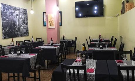 Menú para 2 o 4 con entrante, principal, postre y bebida en Restaurante Rosaly (hasta 57% de descuento)