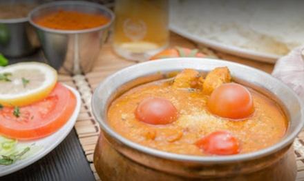 Menú hindú para 2 o 4 personas con entrante, principal, postre y bebida en Nawab Indian Restaurant