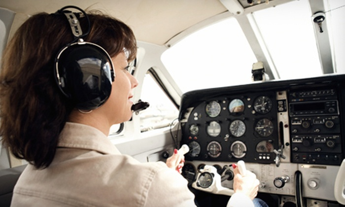 Chicago Premier Flight Training - Romeoville: 30- or 60-Minute Simulator Session with FAA-Certified Instructor at Chicago Premier Flight Training (Up to 60% Off)