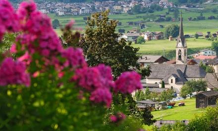 """Trentino: camera doppia Superior """"La Perla"""" con colazione o mezza pensione per 2 persone all'Hotel La Perla"""