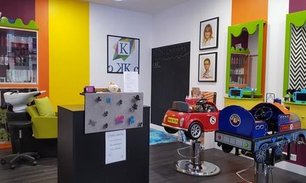 Shampoing, coupe et brushing pour enfant ou garçon/fille de 13 à 15 ans, dès 15 € au salon Kids Coiffure