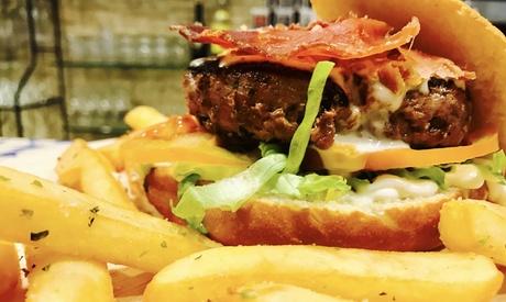 Menú para 2 o 4 con entrante, hamburguesa y bebida desde 19,95 € en Prado de Flores